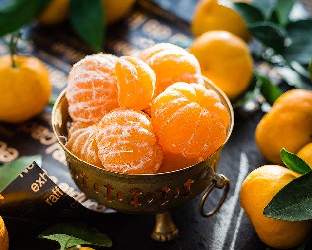 oloupané i neoloupané mandarinky